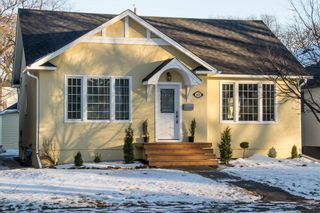 Photo 1: River Heights Bungalow for sale at 442 Niagara Stree!