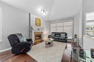 """Photo 5: 14636 76 Avenue in Surrey: East Newton House for sale in """"Chimney Hill"""" : MLS®# R2485483"""