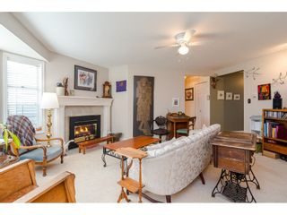 """Photo 5: 805 9139 154 Street in Surrey: Fleetwood Tynehead Townhouse for sale in """"Lexington Square"""" : MLS®# R2431673"""