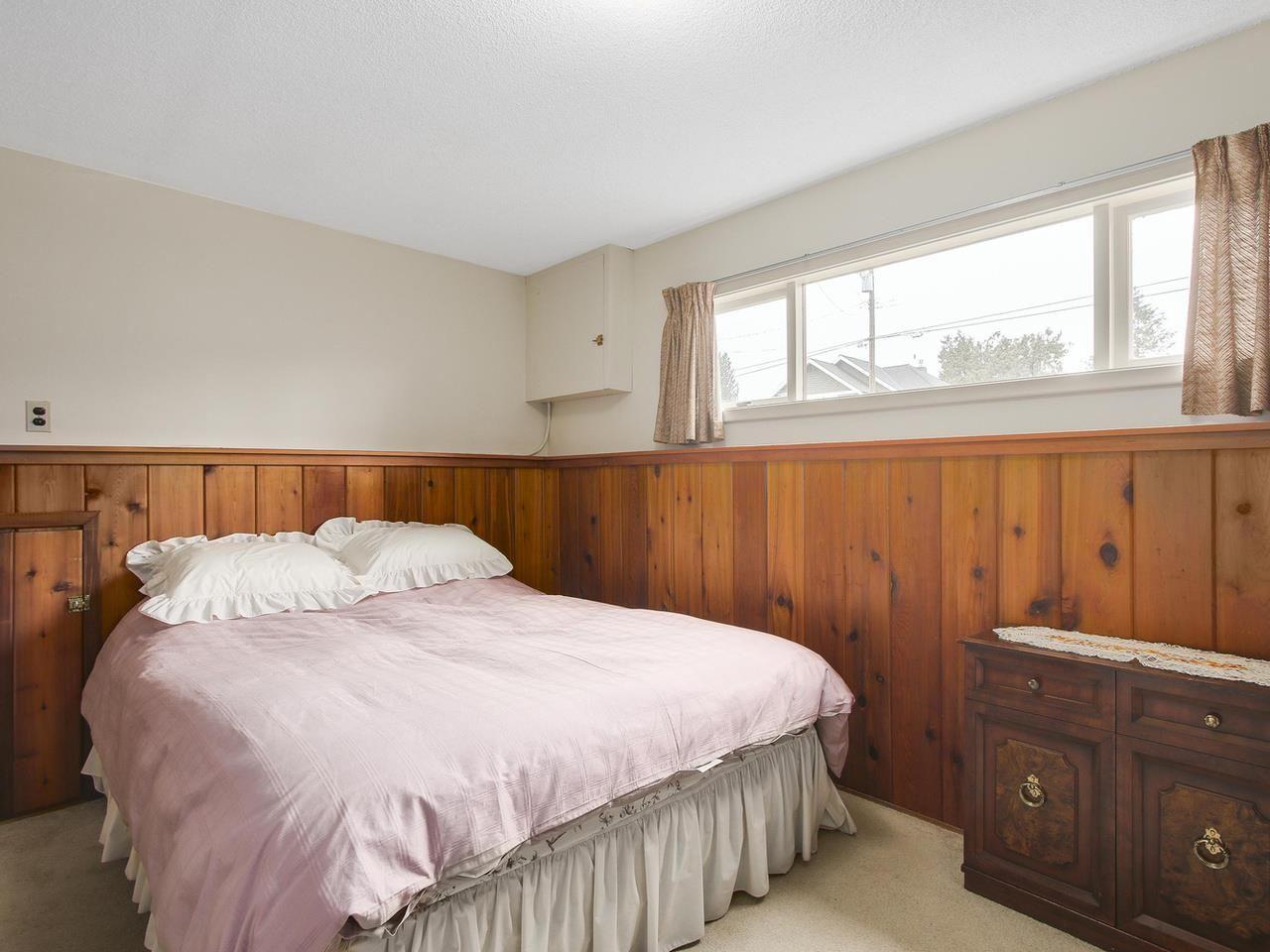 Photo 14: Photos: 1320 REGAN Avenue in Coquitlam: Central Coquitlam House for sale : MLS®# R2147096