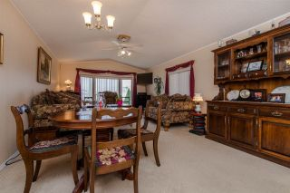 """Photo 5: 29 41168 LOUGHEED Highway in Mission: Dewdney Deroche Manufactured Home for sale in """"OASIS COUNTRY ESTATES"""" : MLS®# R2042355"""