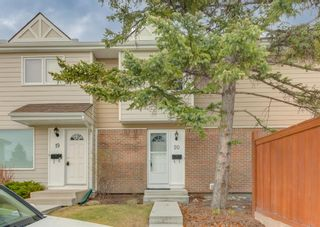 Photo 2: 20 3620 51 Street SW in Calgary: Glenbrook Row/Townhouse for sale : MLS®# A1105228