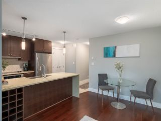 Photo 4: 2304 888 HOMER STREET in Vancouver: Downtown VW Condo for sale (Vancouver West)  : MLS®# R2330895