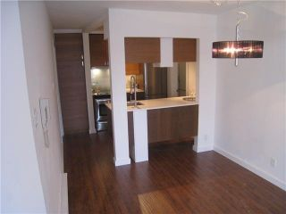 Main Photo: 1 2345 LONSDALE AVENUE in : Central Lonsdale Condo for sale : MLS®# V826884