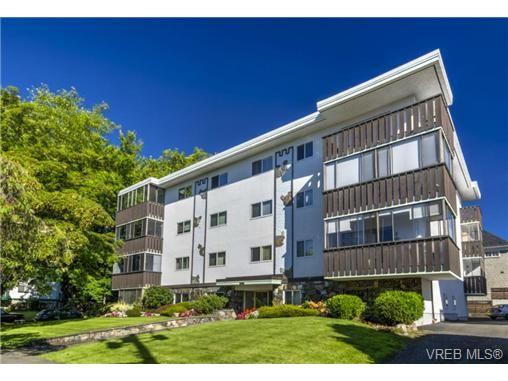 Main Photo: 303 1122 Hilda St in VICTORIA: Vi Fairfield West Condo for sale (Victoria)  : MLS®# 698197