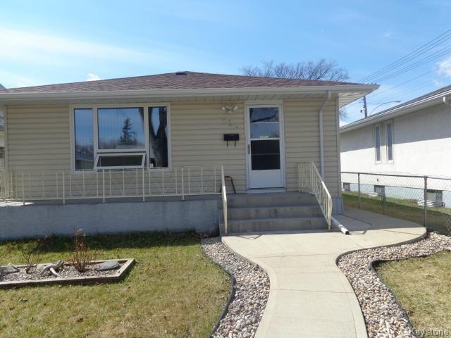 Main Photo: 524 Parkview Street in WINNIPEG: St James Residential for sale (West Winnipeg)  : MLS®# 1510764