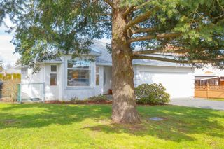 Photo 2: 2286 Mills Rd in : Si Sidney North-West House for sale (Sidney)  : MLS®# 866564