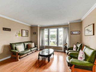 Photo 3: 1124 DANSEY Avenue in Coquitlam: Central Coquitlam House for sale : MLS®# R2589636