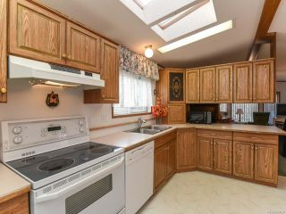 Photo 10: 37 4714 Muir Rd in COURTENAY: CV Courtenay East Manufactured Home for sale (Comox Valley)  : MLS®# 803028
