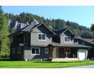 """Photo 1: 1719 VISTA in Squamish: Valleycliffe House for sale in """"HOSPITAL HILL"""" : MLS®# V751647"""