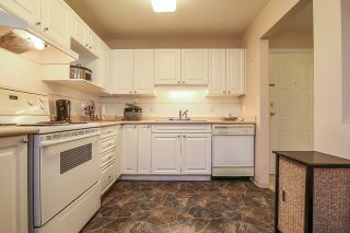 "Photo 8: 212 9650 148 Street in Surrey: Guildford Condo for sale in ""Hartford Woods"" (North Surrey)  : MLS®# R2005610"