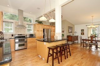 Photo 11: 1178 Dolphin Street: White Rock Home for sale ()  : MLS®# F1111485