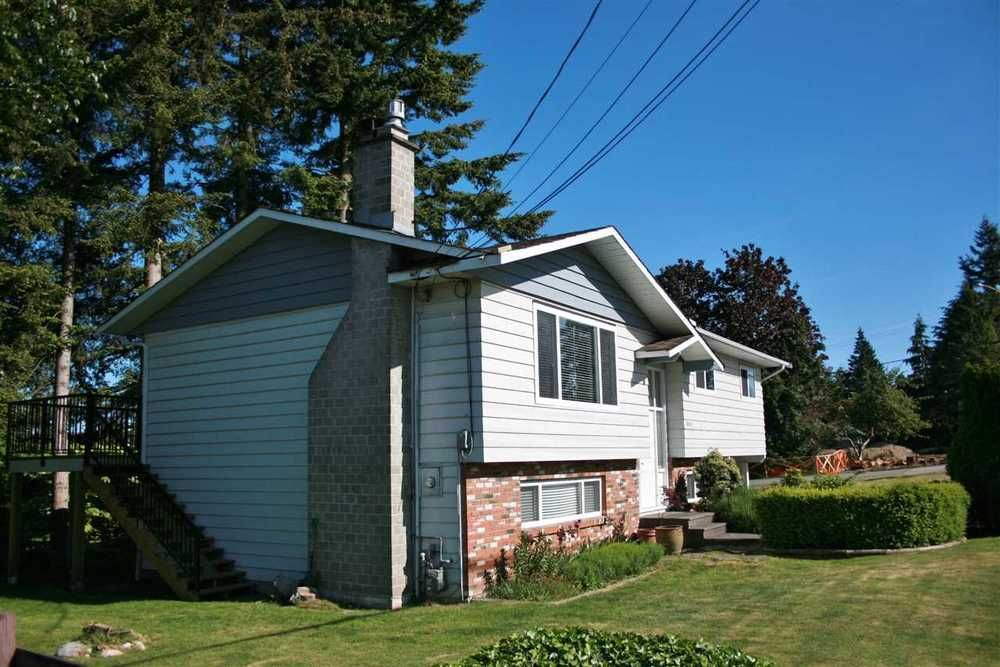 Main Photo: 1806 156 STREET in South Surrey White Rock: Home for sale : MLS®# R2126320