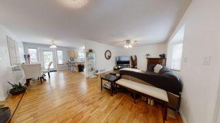 Photo 4: 1559 PARK Avenue: Roberts Creek House for sale (Sunshine Coast)  : MLS®# R2613701