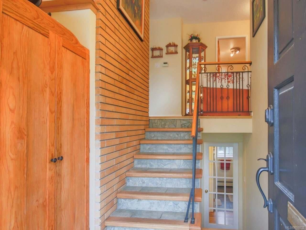 Photo 15: Photos: 5407 Lost Lake Rd in NANAIMO: Na North Nanaimo House for sale (Nanaimo)  : MLS®# 808832