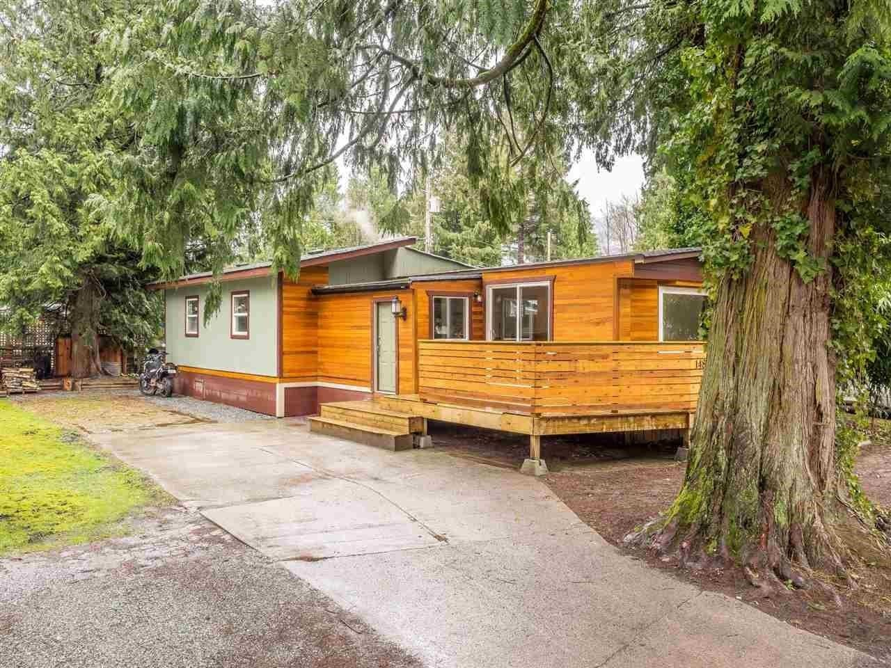 """Main Photo: 148 1830 MAMQUAM Road in Squamish: Northyards Manufactured Home for sale in """"TIMBERTOWN"""" : MLS®# R2618733"""