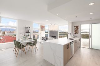 Photo 1: 902 189 NATIONAL Avenue in Vancouver: Downtown VE Condo for sale (Vancouver East)  : MLS®# R2623016