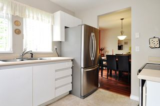 """Photo 7: 304 1189 WESTWOOD Street in Coquitlam: North Coquitlam Condo for sale in """"LAKESIDE TERRACE"""" : MLS®# R2416866"""