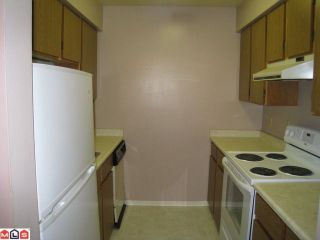 """Photo 2: 213 17661 58A Avenue in Surrey: Cloverdale BC Condo for sale in """"WYNDHAM ESTATES"""" (Cloverdale)  : MLS®# F1128746"""