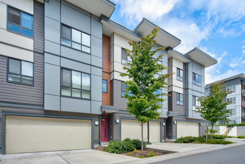 FEATURED LISTING: 20 - 1938 NORTH PARALLEL Road Abbotsford