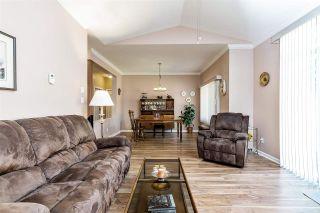 "Photo 3: 12 16325 82 Avenue in Surrey: Fleetwood Tynehead Townhouse for sale in ""Hampton Woods"" : MLS®# R2499161"