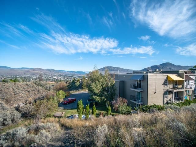 FEATURED LISTING: 304 - 751 GRANDVIEW TERRACE Kamloops