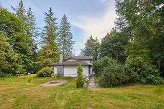 """Photo 3: 3305 208 Street in Langley: Brookswood Langley House for sale in """"BROOKSWOOD"""" : MLS®# R2532225"""