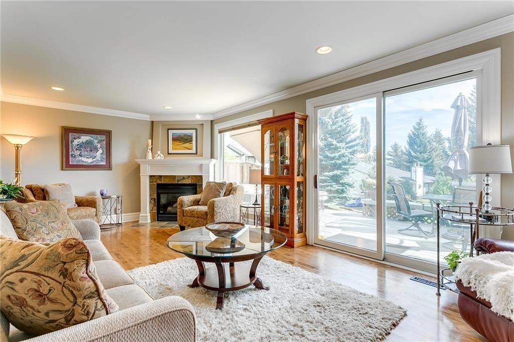 Photo 13: Photos: 17 185 WOODRIDGE Drive SW in Calgary: Woodlands Row/Townhouse for sale : MLS®# C4295020