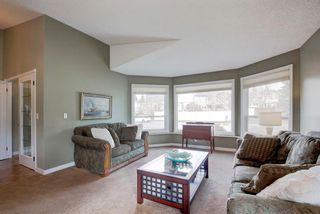 Photo 3: 96 Wood Valley Rise SW in Calgary: Woodbine Detached for sale : MLS®# A1094398
