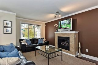 "Photo 2: 126 12711 64 Avenue in Surrey: West Newton Townhouse for sale in ""Pallette on the Park"" : MLS®# R2417889"