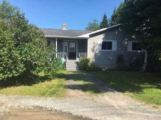 Main Photo: 1252 Highway 2 in Lantz: 105-East Hants/Colchester West Residential for sale (Halifax-Dartmouth)  : MLS®# 202117992