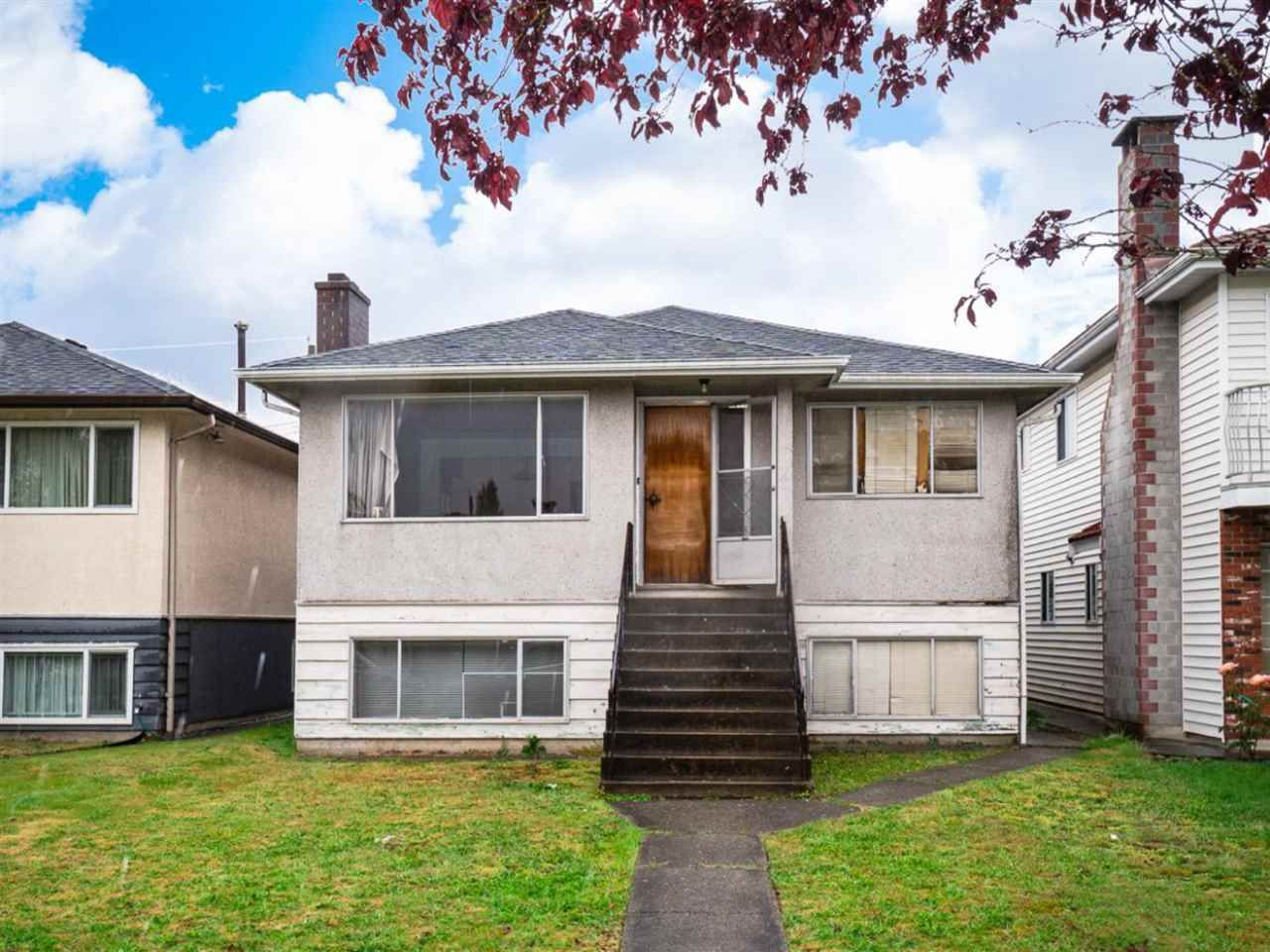 Main Photo: 2095 E 52ND Avenue in Vancouver: Killarney VE House for sale (Vancouver East)  : MLS®# R2585772