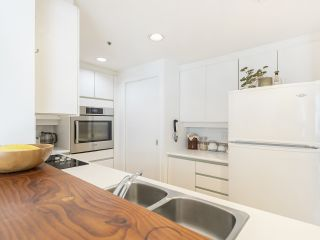 """Photo 17: 406 1551 MARINER Walk in Vancouver: False Creek Condo for sale in """"LAGOONS"""" (Vancouver West)  : MLS®# R2548149"""