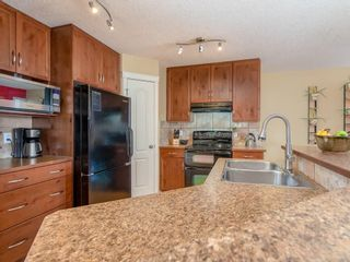 Photo 3: 181 CRANBERRY Close SE in Calgary: Cranston House for sale : MLS®# C4178051