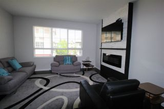 """Photo 2: 94 19505 68A Avenue in Surrey: Clayton Townhouse for sale in """"Clayton Rise"""" (Cloverdale)  : MLS®# R2263959"""