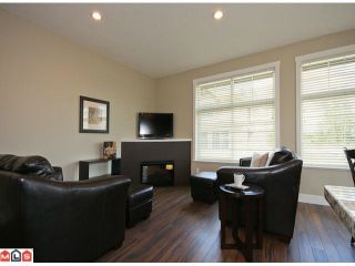 Photo 4: 2 7332 194A Street in Surrey: Clayton Townhouse for sale (Cloverdale)  : MLS®# F1019086