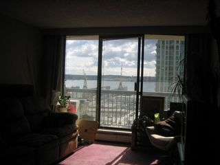 Photo 2: 608 145 ST GEORGES Ave in North Vancouver: Home for sale : MLS®# V818769
