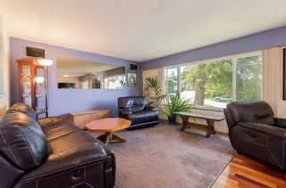 Photo 3: 18105 59A Avenue in Surrey: Home for sale : MLS®# F1442320
