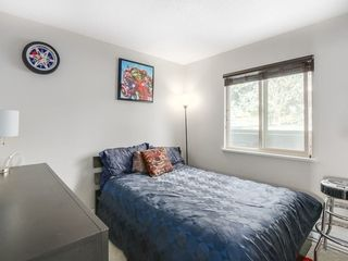 Photo 11: 15328 COLUMBIA Ave in South Surrey White Rock: White Rock Home for sale ()  : MLS®# F1433512