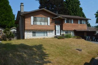 Photo 3: 9096 BUCHANAN Place in Surrey: Queen Mary Park Surrey House for sale : MLS®# R2293934