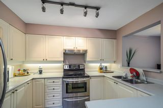 """Photo 10: 5 21960 RIVER Road in Maple Ridge: West Central Townhouse for sale in """"FOXBOROUGH HILLS"""" : MLS®# R2586800"""