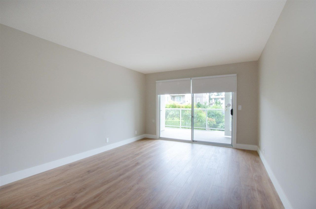 """Photo 11: Photos: 104 1327 BEST Street: White Rock Condo for sale in """"Chestnut Manor"""" (South Surrey White Rock)  : MLS®# R2339263"""