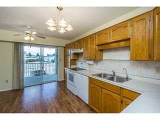 """Photo 7: 48 32691 GARIBALDI Drive in Abbotsford: Abbotsford West Townhouse for sale in """"Carriage Lane"""" : MLS®# R2096442"""