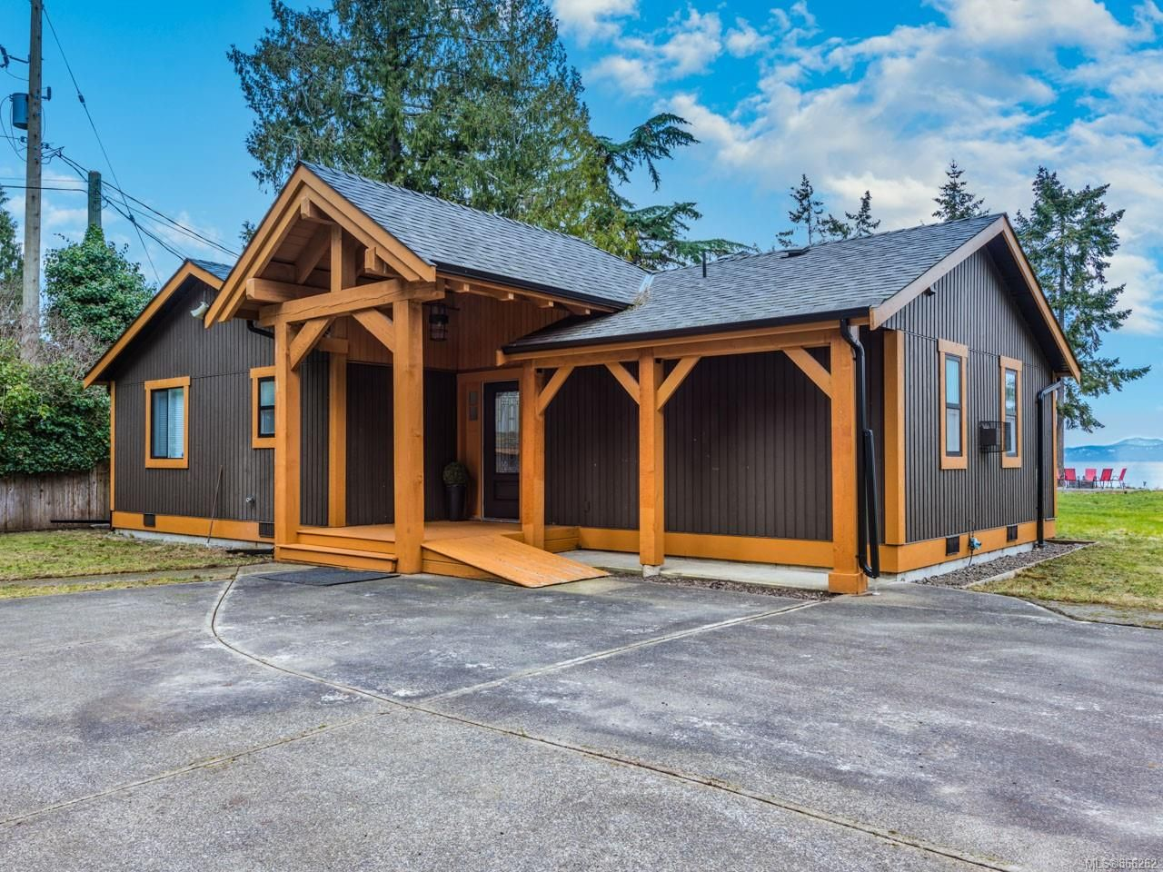 Main Photo: 1505 Bay Dr in : PQ Nanoose House for sale (Parksville/Qualicum)  : MLS®# 866262
