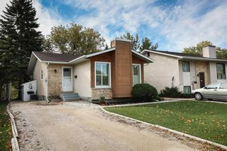 Photo 1: 35 Delorme Bay in Winnipeg: Richmond Lakes Residential for sale (1Q)  : MLS®# 202123528