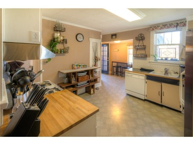 """Photo 6: Photos: 929 FOURTH Street in New Westminster: GlenBrooke North House for sale in """"GLENBROOKE NORTH"""" : MLS®# V1058200"""