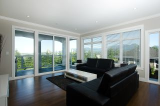 """Photo 4: 3557 MCGILL ST in Vancouver: Hastings East House for sale in """"VANCOUVER HEIGHTS"""" (Vancouver East)  : MLS®# V970649"""