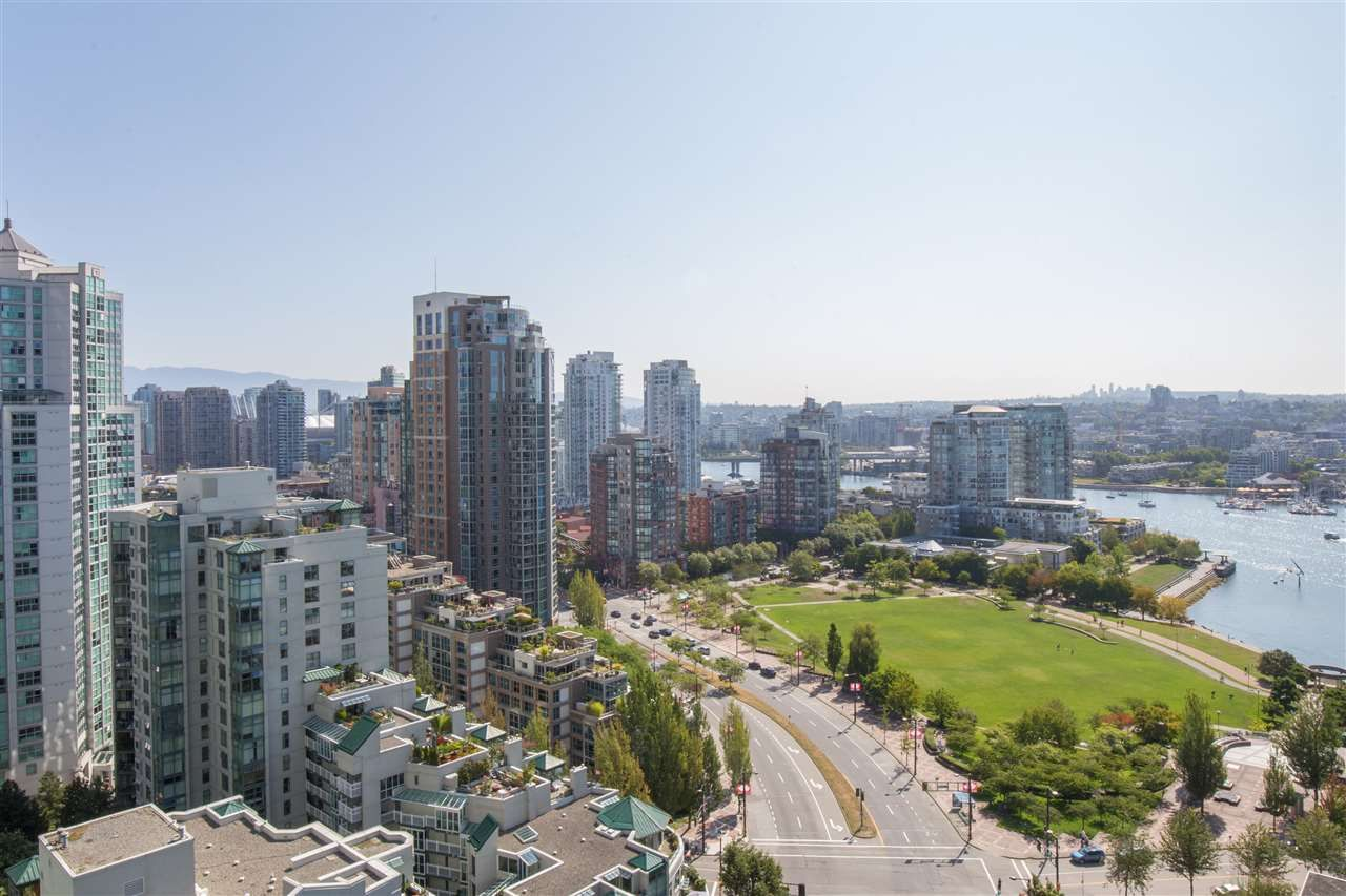 "Photo 1: Photos: 2507 1438 RICHARDS Street in Vancouver: Yaletown Condo for sale in ""AZURA ONE"" (Vancouver West)  : MLS®# R2394996"