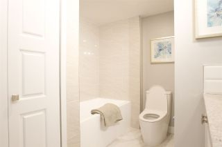 Photo 5: 1001 615 BELMONT STREET in : Uptown NW Condo for sale : MLS®# R2294805