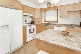 Photo 10: 3 SPRINGWOOD Bay in Steinbach: Southland Estates Residential for sale (R16)  : MLS®# 202115882
